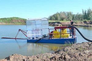 Очистка водоемов от ила земснарядами в Украине
